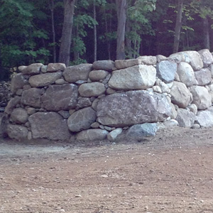 freestanding-rock-wall